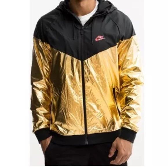 342c5626f3e2 Nike Black Gold Windbreaker. M 5b03468d36b9de5cc684ba18